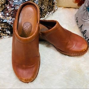ARIAT brown leather clogs sz 8.5